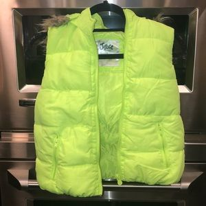 Neon yellow justice vest with removable hood